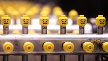 Jak se vyrábí stavebnice LEGO?